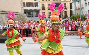 El folclore inunda cada rincón de Badajoz