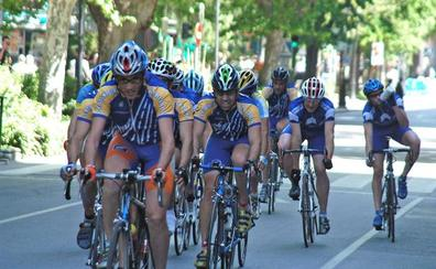 El paseo de Cánovas de Cáceres acoge una prueba ciclista