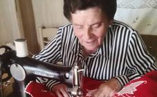 Homenaje a una bordadora