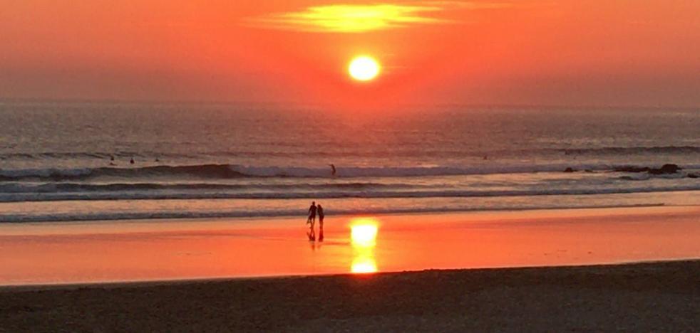Las playas de Caparica en Portugal estarán cerradas durante el mes de agosto