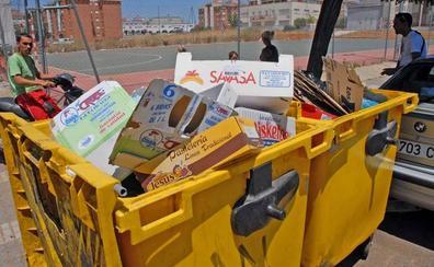 Cartón, ropa y plásticos que no son envases, errores más comunes en el contenedor amarillo