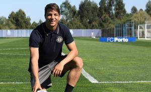 Óliver Torres firma con el Sevilla por cinco temporadas