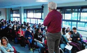 Navalmoral falla los premios a la Excelencia Académica del curso