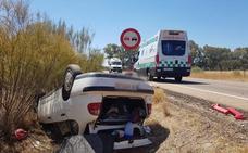 Cuatro jóvenes resultan heridos al salirse de la carretera entre La Roca y Villar del Rey