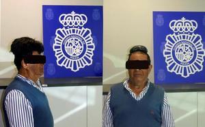 Detenido un hombre que ocultaba medio kilo de cocaína en su peluquín
