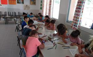 Veinte menores asisten al comedor de verano de Castuera
