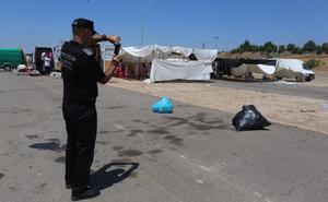 La Policía Local de Mérida controla las medidas de limpieza de la zona del mercadillo