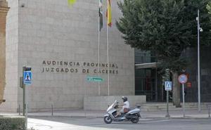 Condenado a dos años de cárcel por abusar sexualmente de una niña en un piso de Cáceres