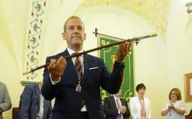 El alcalde de Malpartida pide la baja en el PP pero no dimite como alcalde ni diputado