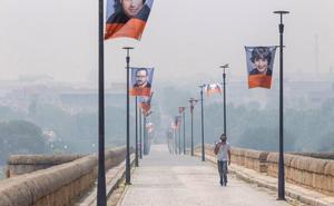 Humo y olor a quemado en varios puntos de Extremadura por un gran incendio en Portugal