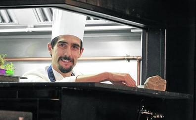 El chef placentino Ricardo Fernández triunfa en Gijón con 'Farragua'