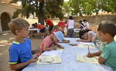 Los talleres del Museo Arqueológico de Badajoz acogen este verano a 180 niños