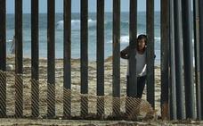Trump da poder a Inmigración para ejecutar deportaciones 'exprés'