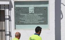 La Junta concede un año para retirar los símbolos de exaltación franquista