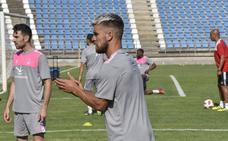 Al Badajoz le sobra un jugador con ficha sénior que podría ser Ferrón