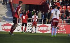 El Cacereño refuerza su zona defensiva con el sub-23 Javito