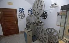 El Museo Casa Pedrilla exhibe un proyector de cine de 1975