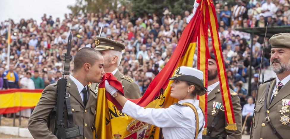 Vuelven las multitudinarias juras de bandera con el aumento de alumnos en Cáceres