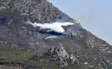El Infoex controla el incendio de Zarza Capilla en el que recibió apoyo del Infoca