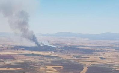 Estabilizado el incendio forestal de Calzadilla de los Barros