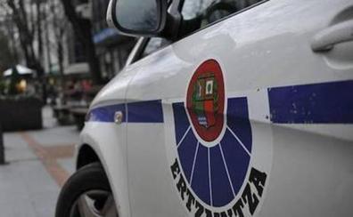 Los seis detenidos por violar a la joven de 18 años en Bilbao le tiraron dinero al terminar