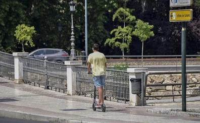 La falta de normativa para patines crea situaciones de riesgo en aceras y calzadas de Badajoz