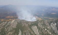 El Infoex controla un incendio forestal en Navezuelas