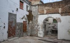 La calle Castillo de Cáceres también quiere un plan para su recuperación