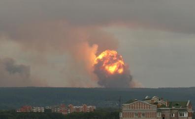 Más de 16.000 personas abandonan sus casas por la explosión de un arsenal en Siberia