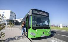 El número de usuarios que se suben al bus en el nuevo hospital de Cáceres se multiplica por 10