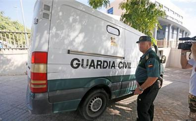 Otra joven denuncia por abusos a los cinco detenidos por violar a una turista en Benidorm
