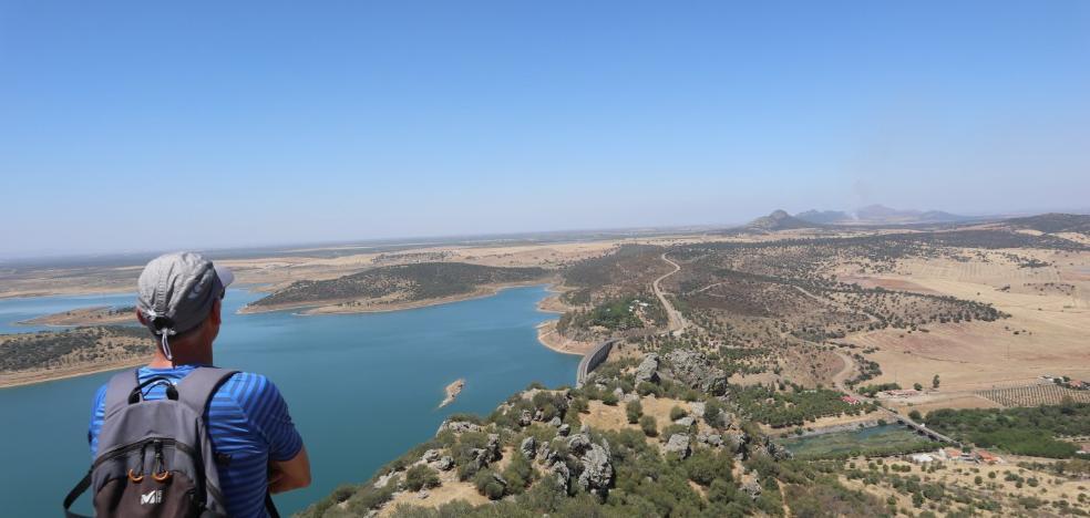 Alange: roca, agua y vistas