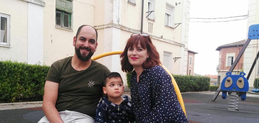 Tres familias piden a Educación un aula de apoyo en la escuela para sus hijos autistas