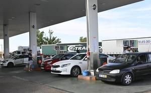 La huelga portuguesa llena las gasolineras extremeñas de la Raya