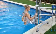 Las plataformas para discapacitados llegan a las piscinas comunitarias