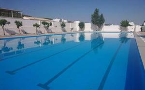 Cierran por segunda vez la piscina de Los Santos de Maimona tras encontrar excrementos en el agua