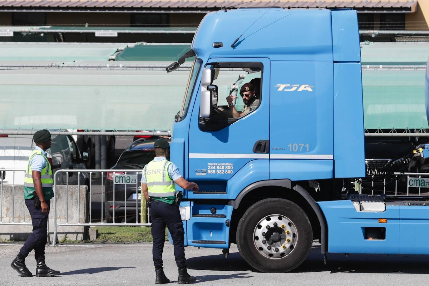 El ejército portugués abastece de combustible las gasolineras en el segundo día de huelga