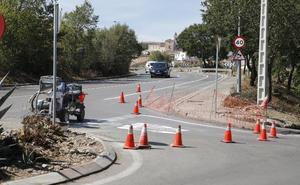 Comienzan a pintar el carril bici que unirá Ronda Vadillo con la Ronda Norte en Cáceres
