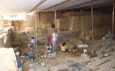Hallan en El Turuñuelo de Guareña los primeros tejidos de lana de la península