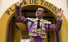 El Fandi, a hombros en la cuarta de feria en Huesca