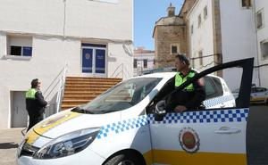 Doce Policías Locales de paisano vigilan en Mérida la venta de alcohol y tabaco a menores