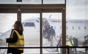 El aeropuerto de Badajoz recupera el volumen de viajeros de hace diez años