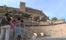 Rincones con encanto de Extremadura | Medellín: Un teatro romano de tres