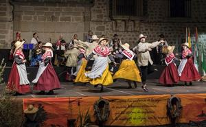 Treinta años de folklore con 'Chispa' en Plasencia