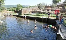 Rincones con encanto de Extremadura | Torre de don Miguel: Una piscina entre molinos