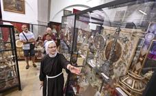 Más de 2.400 visitantes conocen los tesoros del convento de Santa Ana de Badajoz