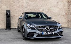 Mercedes-Benz lanza su octavo híbrido, el gasolina C 300 e