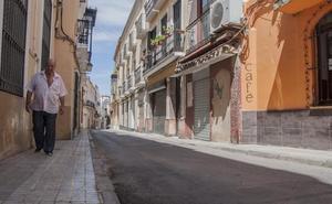 La calle Arias Montano de Badajoz se queda sin comercios