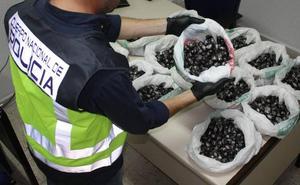 Detenido en Badajoz por llevar 15 kilos de hachís en el maletero del coche