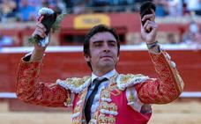 Perera mantiene su idilio triunfal con Gijón